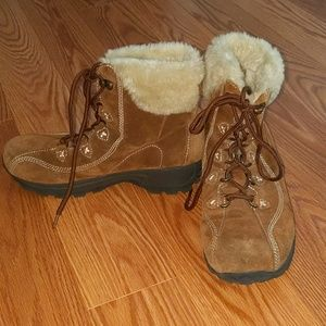 Earth Spirit brown boots Sz 8